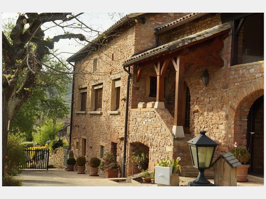 Tr s belle situation pour cette ancienne ferme vigneronne for Acheter maison beaujolais