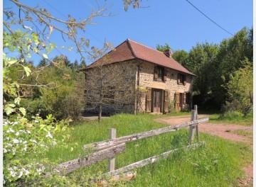 Petite maison de campagne au pied du  bois.