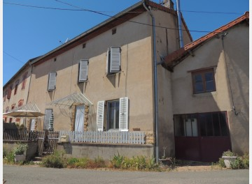 Village house in good condition
